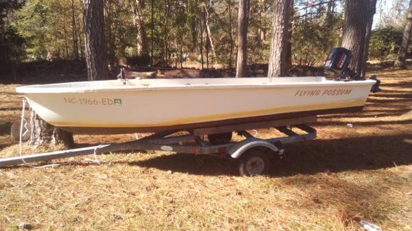 Photo 16ft fiberglass fishing boat with 6 hp four stroke obo - $1,750 (Stonewall)