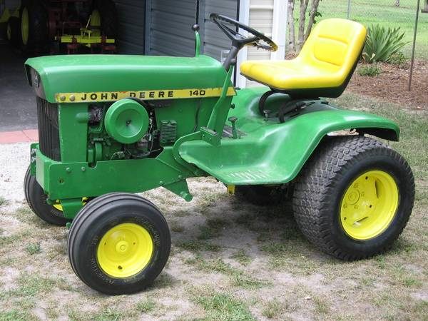 Photo 1972-1975 JOHN DEERE 140 GARDEN TRACTOR - $850 (NEW BERN, N.C.)