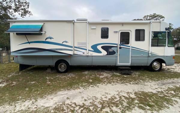 Photo 20001 34 ft National Dolphin Class A Motorhome - $21,995 (Holden Beach, NC)