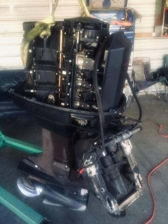 Photo 2000 Johnson 175 hp outboard - $2000 (Jacksonville)