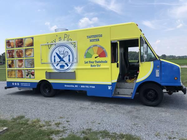 Photo 2004 Ford P42 Workhorse 26 Step Van Food Truck - $55,000 (Greenville)