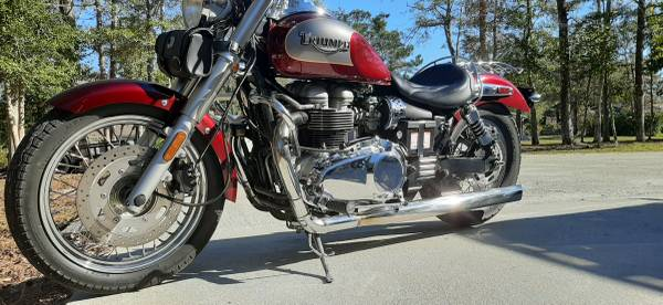 Photo 2005 Triumph America - $3,950 (Morehead City)