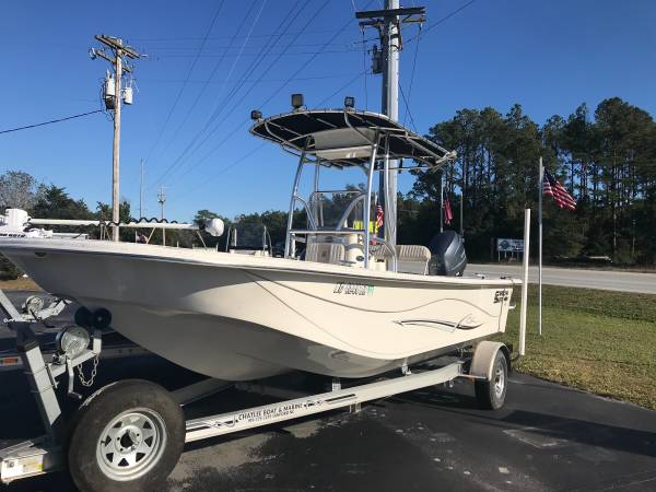 Photo 2014 Carolina Skiff 218 DLV - $27,500 (Newport NC)