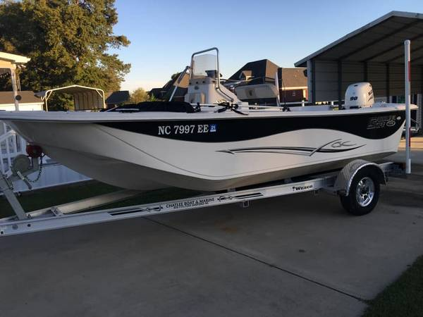 Photo 2018 19ft Carolina Skiff DLV - $23,000 (Goldsboro)