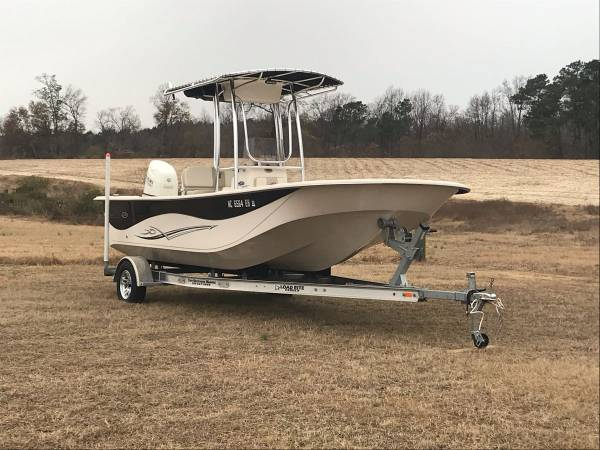 Photo 2018 Carolina Skiff DLV - $39,500 (Surf City)