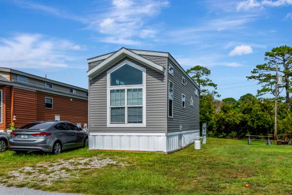 Photo 2020 Park Model with Loft - Whispering Pines RV Park - $62,500 (Newport, NC)