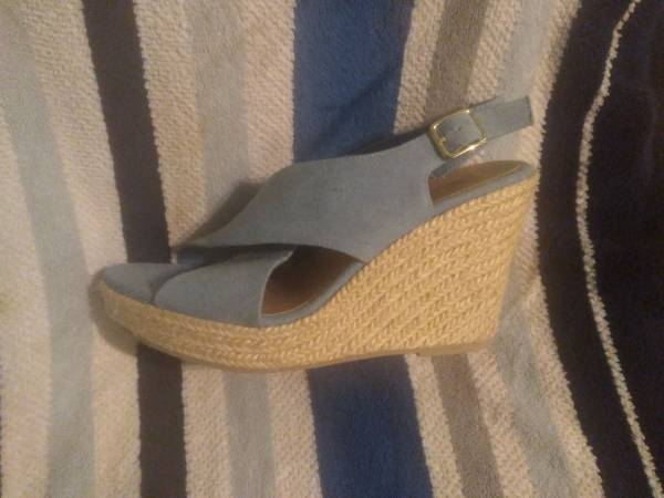 Photo American Eagle Wedges size 10 - $20 (Stonewall)