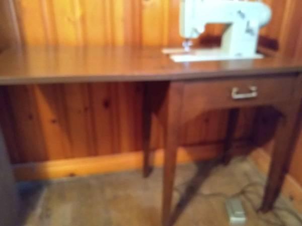 Photo Antique Sears Kenmore Sewing Machine - $50 (Ahoskie)