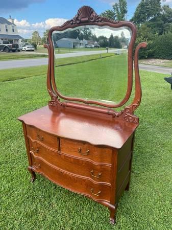 Photo Antique Tiger Oak Dresser wBeveled Mirror - $497 (NewBernHavelock)
