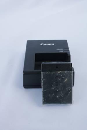 Photo Canon LP-E10 Battery  Charger - $20 (Chesapeke)