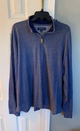 Photo Crown and ivy navy blue mens zip up - $15 (Winterville)