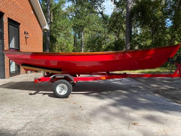 Photo Fully Restored vintage Dory - row boat - $4,200 (NEW BERN)