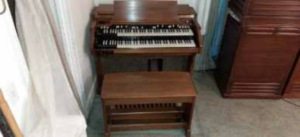 Photo Hammond Organ A 105 With optional to whun 47 field coil full size Leslie speak - $5,500 (Rocky Mount)