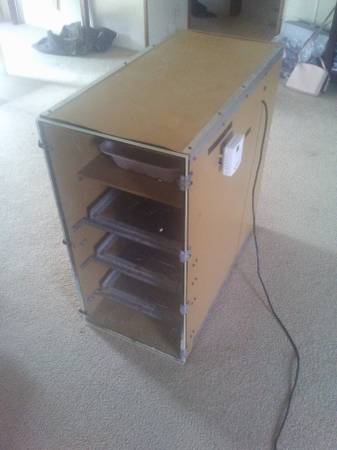 Photo INCUBATOR GQF 1202 WITH CLEAR DOOR AND ELECTRONIC THERMOSTAT - $450 (KENLY)