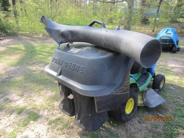 Photo John Deere X300 42quot Mower Bagger - $200 (ROANOKE RAPIDS)