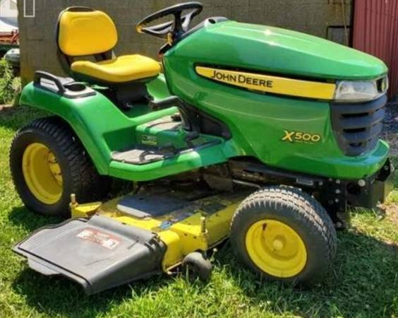 Photo John Deere X500 Lawn Tractor (Nice) (Seven Springs NC)