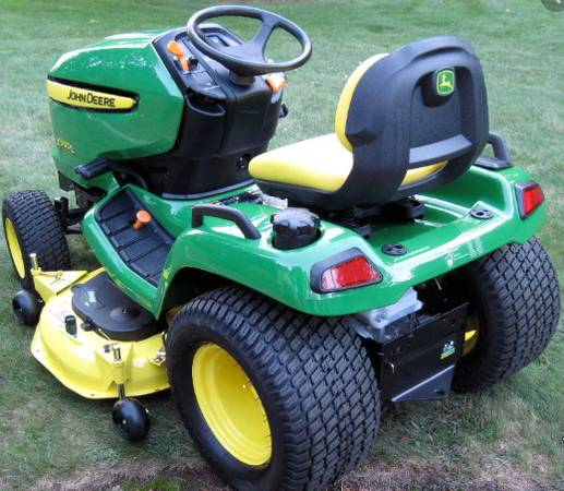 Photo John Deere X500 Lawn Tractor (Nice) - $4,200 (Seven Springs NC)