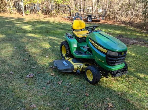 Photo John Deere X520 Lawn Tractor Super Nice (Liquid-Cooled) - $3,500 (Dry Run, NC)