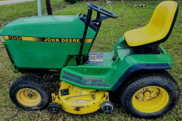 Photo John deere gt275 garden tractor - $600 (Hertford)