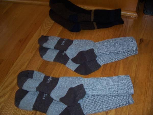 Photo Men39s COLUMBIA WOOL SOCKS size 10-13 3 pairs - $10 (raleigh near garner)