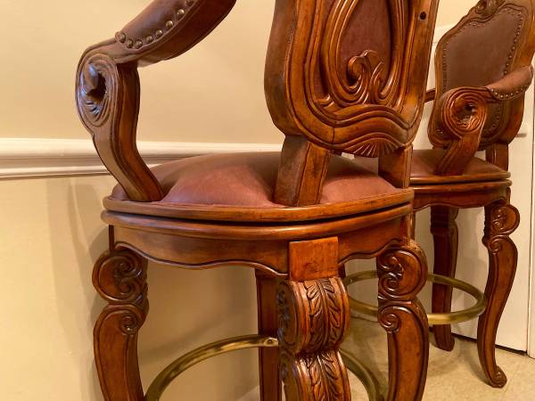 Photo Michael Amini WoodLeather Barstools - Mint  As New - $875 (Greenville NC)