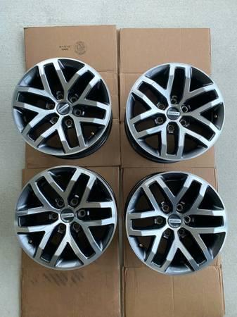 Photo OEM Ford Raptor Wheels - $1,000