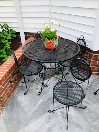 Photo Patio Table with 4 Chairs - $300 (Mount Olive)