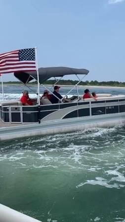 Photo Pontoon Boat for Sale - $36,995 (Near Morehead City)