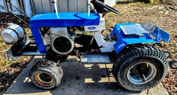 Photo Pulling tractor wheel horse - $550 (Hertford)
