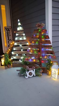 Photo Reclaimed wood homemade Christmas trees with lights indoor or outdoor - $80 (Stem,nc)