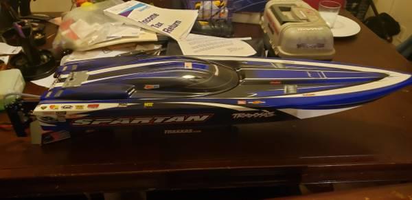 Photo Traxxas Spartan RC Race Boat - $375 (Greenville)