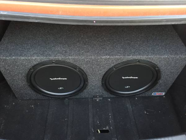 Photo Two 12 by 12 Rockford Fosgate R1 Subwoofers in an Atrend Double Port - $285 (Greenville)