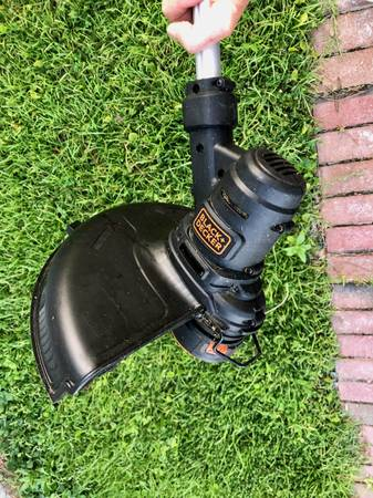 Photo Weed Eater - String Trimmer. Excellent - $20 (Oriental)