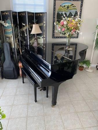 Photo Yamaha G-3 Grand piano - $6,500 (beaufort)