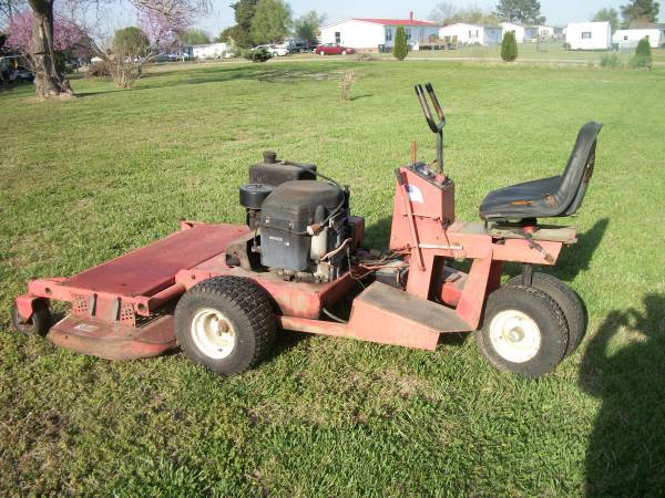 Photo zero turn 60 in cut Gravely mower - $2400 (Wilson)