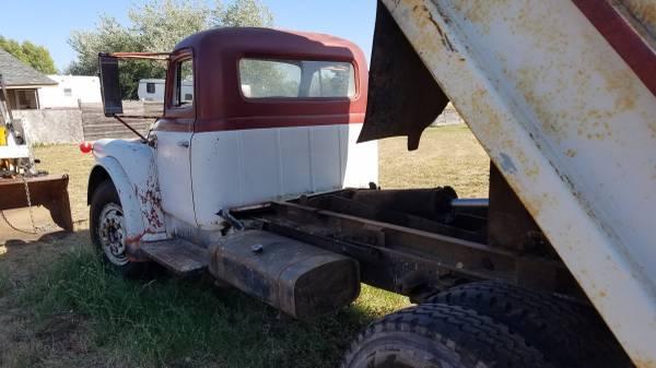 Photo 1957 4yd international dump truck - $4,000 (Goldendale)