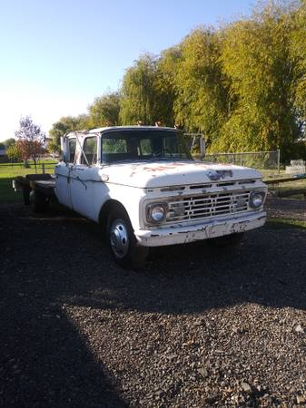 Photo 1961 Ford F350 Crew Cab- Rare - $1 (Central Point)