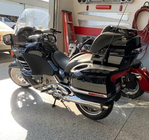 Photo 2007 BMW K1200LT K 1200 LT K1200 LT with just 5,000 miles like new - $6,900 (Meridian Idaho near Eagle and Pine Roads)