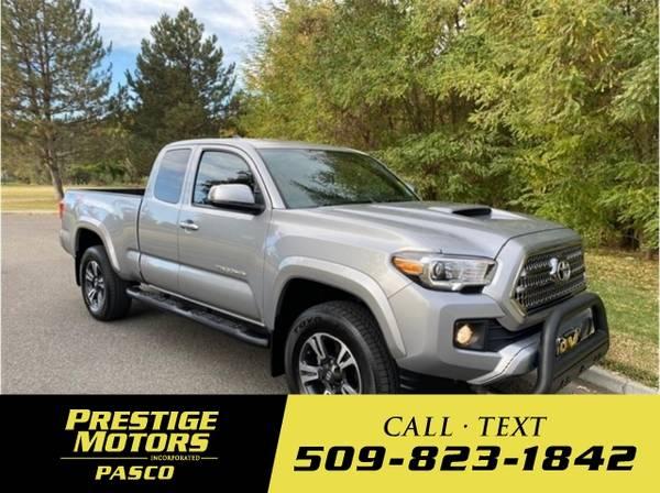 Photo 2017 Toyota Tacoma TRD Sport Pickup 4D 6 ft - $31,150 (_Toyota_ _Tacoma_ _Truck_)
