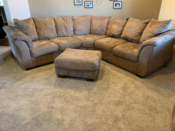 Photo 2 piece sectionalottoman2 ottoman with cubits - $500 (Boardman)