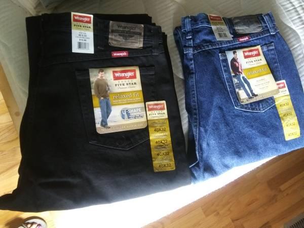 Photo (4) Pair New Mens Wrangler Jeans  40 x 32 - $10 (Kennewick)