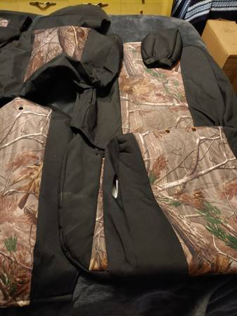 Photo Custom Camo Seat Covers for a 2016 Ford F150 - $205 (Hammond)