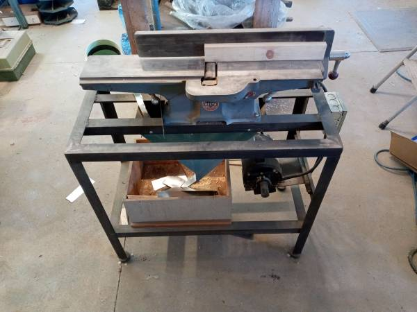 Photo DELTA ROCKWELL 37-290 Belt Drive Benchtop Jointer Planer 4quot setup - $450 (Canyon City)