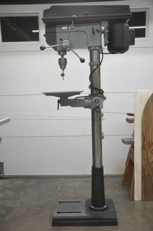 Photo Delta Floor Stand Drill Press - $400 (Pendleton)