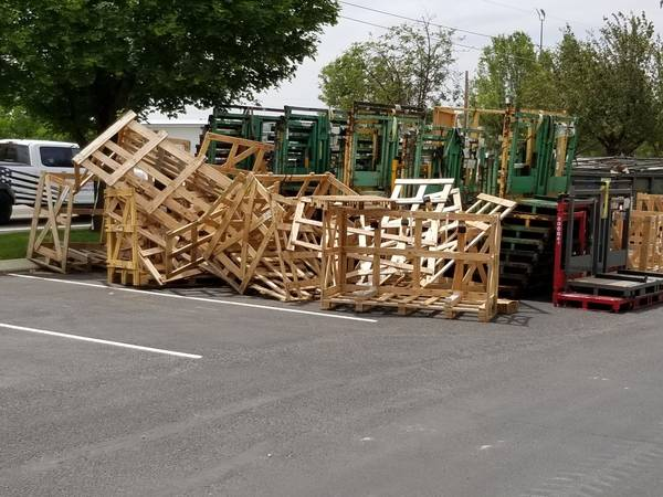 Photo FREE WOOD  WOOD PALLETS (BOISE)