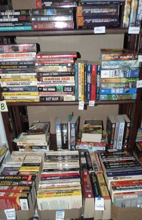 Photo HUGE Sci Fi book collection For Sale (Meridian)