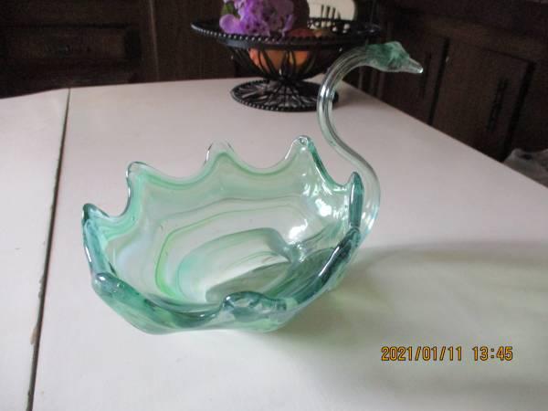 Photo Hand Blown Murano Art Glass Swan Center Piece Bowl - $45 (TerrebonneRedmond)