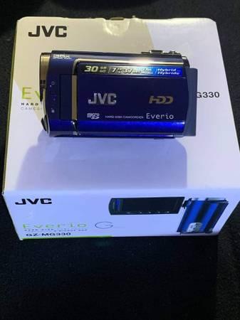 Photo JVC Everio hard disk camcorder - $50 (Boise)