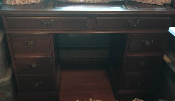 Photo Leather in laid desk - $150 (Potlatch)