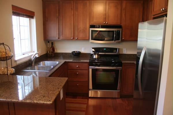 Photo Luxury furnished corporate 1-br North End condominium ready to go (Somerset Hills)